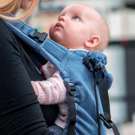 Storchenwiege-BabyCarrier-Jeans-Image-02