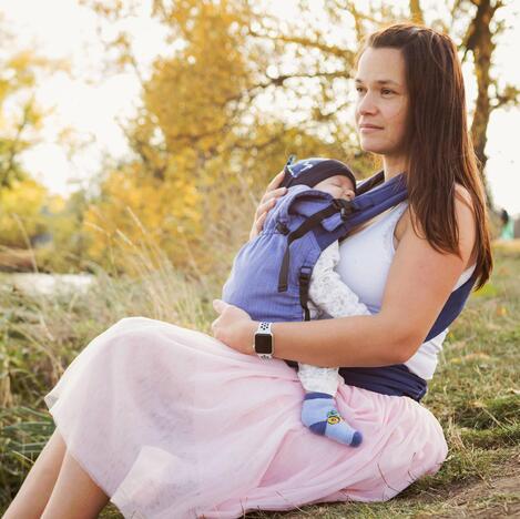 Storchenwiege-BabyCarrier-flieder-Image-02